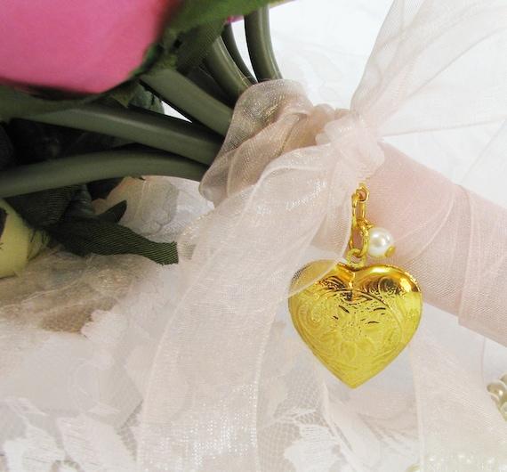 Gold Brides Bouquet Photo Locket