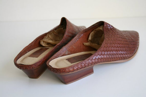 11 | Vintage Woven Mules | Brown Leather Wooden H… - image 5