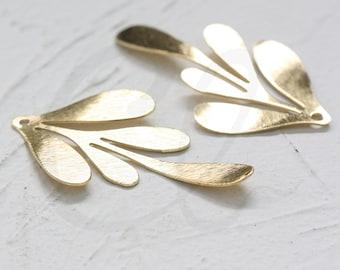4 Pieces Raw Brass Brush Leaf Pendant - 45.6x26.6mm (4018C-N-358)