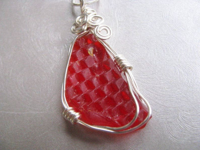 VERY RARE Red Christmas Sea Glass Necklace-Car Taillight Sea Glass Pendant Sea Glass Jewelry Prince Edward Island Statement Necklace