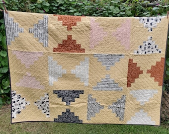 """Full/Double Bed Quilt handmade, beige/black/white/pink 72"""" x 72"""" Front Porch Steps"""