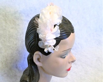 1950s Vintage Pink Flower Headband Hat with Feather Tips