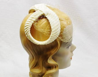 50s 60s Vintage Off White Half Hat with Veil