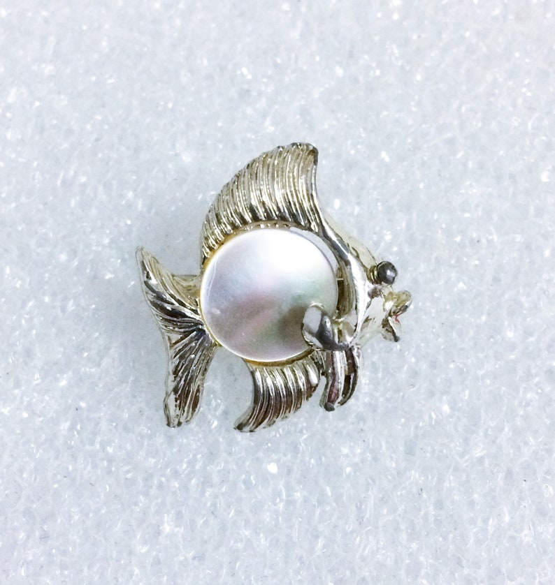 1940s Tropical Brooch 1950s Figural Broach Vintage Novelty Jewelry 40s 50s Vintage Mother Of Pearl and Silver Tone Metal Fish Scatter Pins