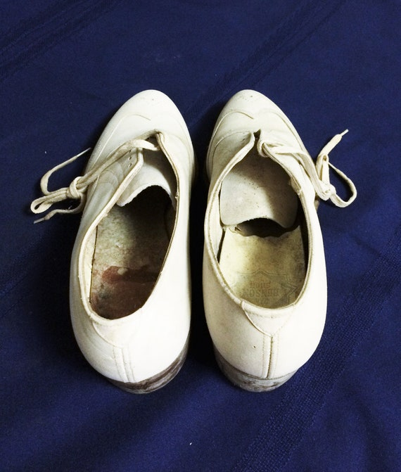 30s 40s Vintage Men's White Leather Brogues or Ox… - image 4