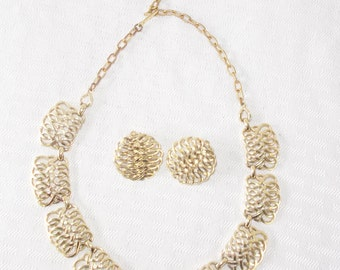 1950s Vintage Gold Tone Lattice Work Necklace and Clip On Earring Demi Parure