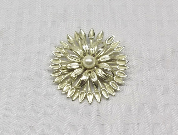 Vintage 1960s to 1970s Big Gold Flower Brooch For Wear Or Repurposing Shiny Large Huge Gold Tone