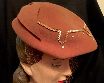 Vintage 1950s Brown Felt Beret Hat Womens 50s Rhinestones and Gold Sequins Mid Century Accessories Hat with Large Bow