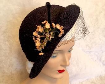 Vintage 1940s early 50s DOS 30s Side-TILT HAT Bumper Brim Pink Flower Spray with Face Veiling Original Vintage Good Condition