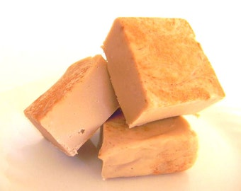Julie's Fudge - HOT BUTTERED RUM - One Pound