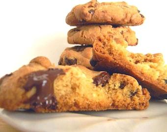 Dark Chocolate & White Chocolate Chip Cookies - ONE DOZEN (12 cookies)