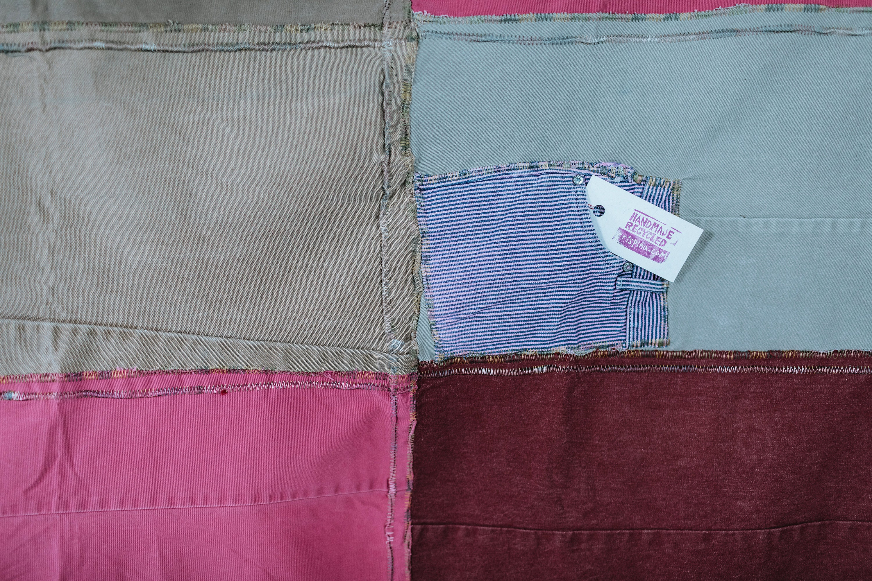 Couverture de pique-nique faite à partir de jeans recyclés, couverture de plage, coverlet, jet de couch, nappe, couverture d'été, couverture de Crispina, tous recyclés