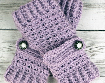 Crocheted Pale Plum Lavender Gloves with Button Straps