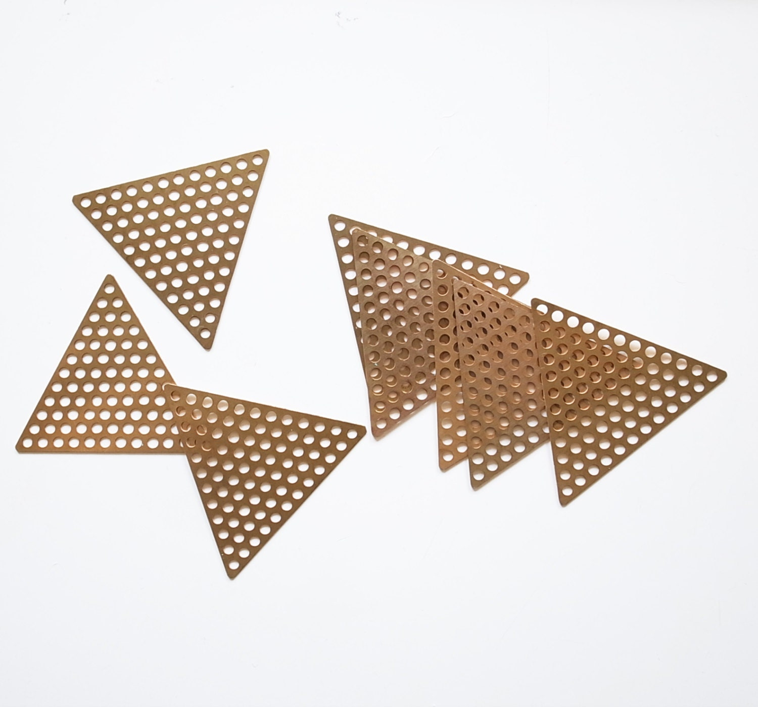 Love Each Other Or Perish: 20 Raw Brass Die Cut Charm In Triangle Holes Mesh 37mm Each