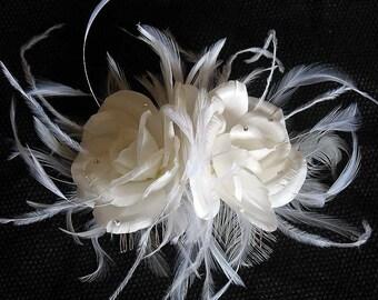 Handmade silk roses on a comb
