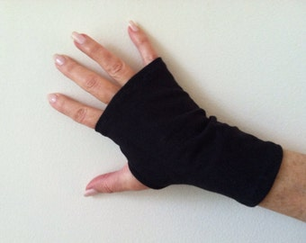 SPF 50 Stretch Fingerless Gloves. One Size Fits All.