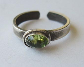Peridot ToeGems toe ring,  toe ring, Peridot 4x6mm peridot toe ring, symbolic jewelry