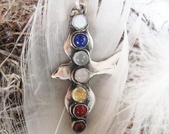 Chakra Bird gemstone pendant, bird pendant, chakra energy pendant, spiritual seven chakras, chakra stone jewelry, bird totem jewelry