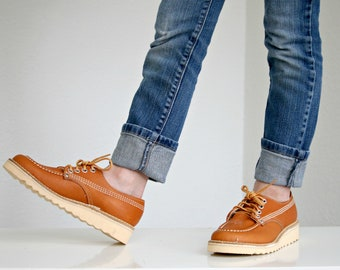 1970s Spice Tan Camper Oxfords // 2 Sizes Available // Big Kid's Size 2-1/2 (2.5) or 3