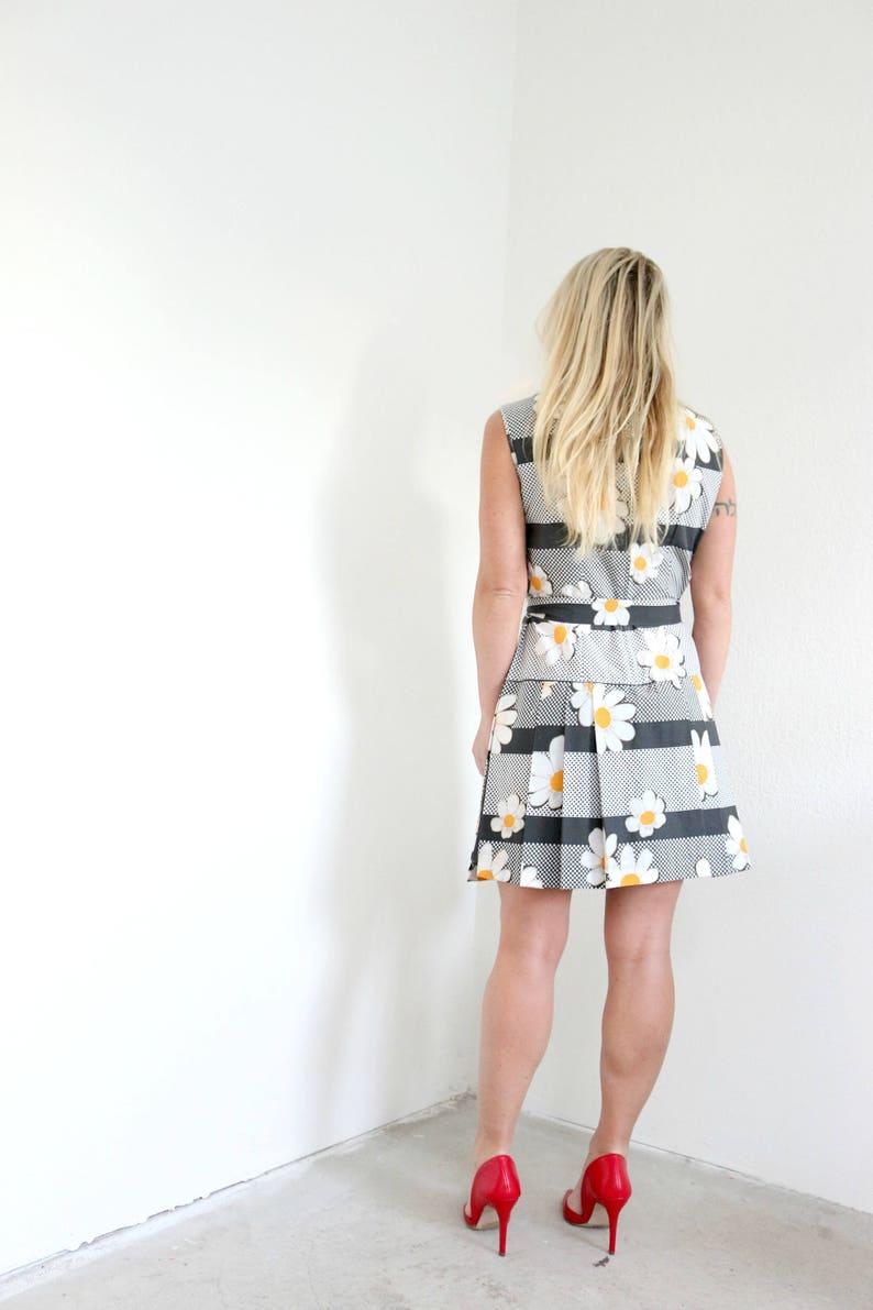 1970s Daisy Pleat Dress   Size Small