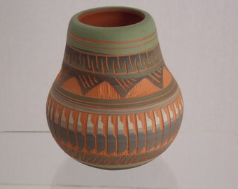 2c858d9726 FREE SHIPPING Navajo Indian Seed Pot by J. Shippley