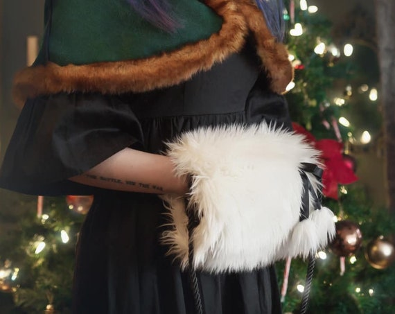 Caroler's Delight Muff with Purse Pocket