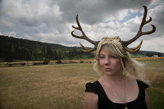 Daughter of Diana 10 Point Antler Headdress