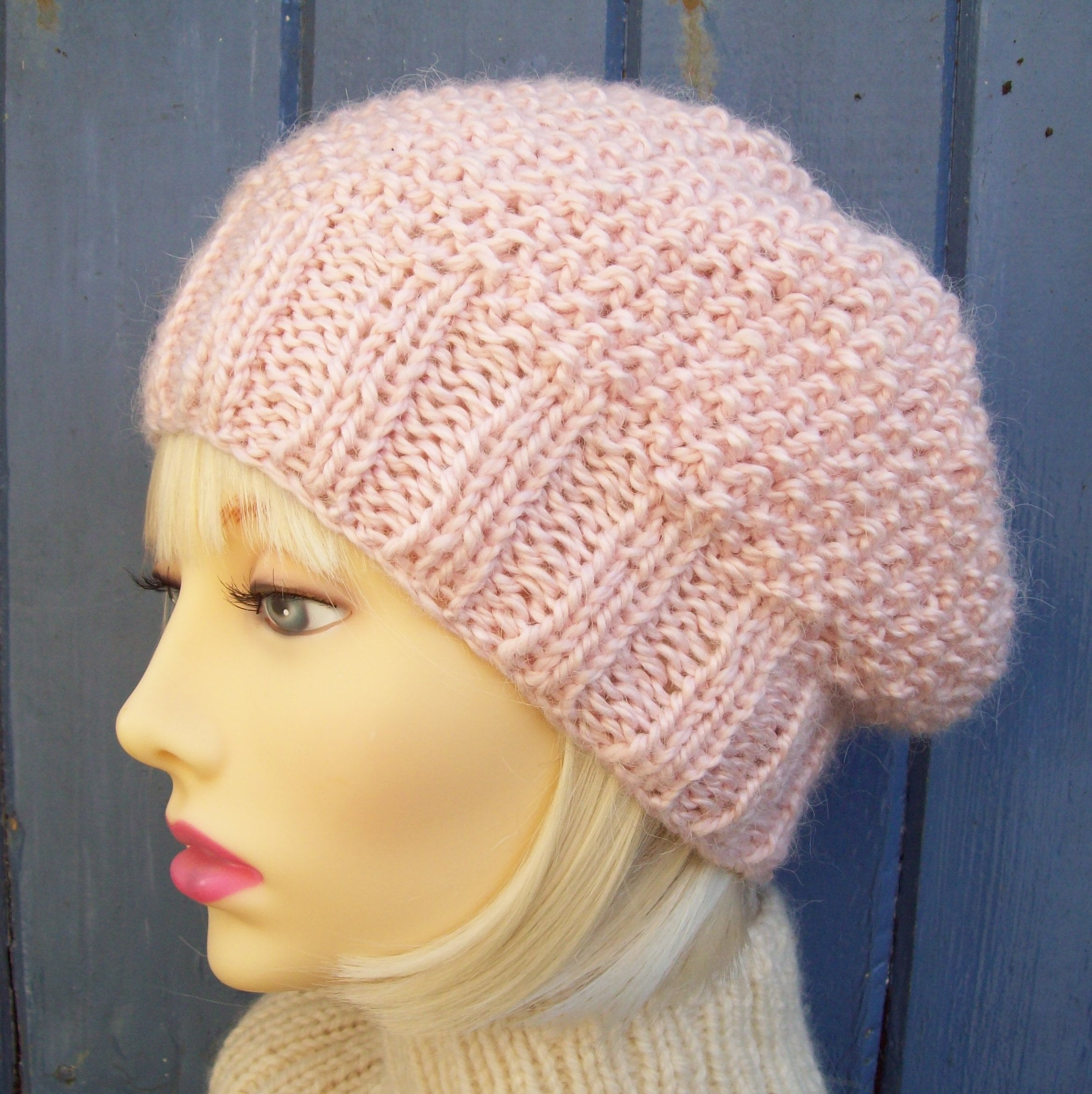 CHUNKY HAT PATTERNS Womens Slouch Beanie Knitting Pattern ...