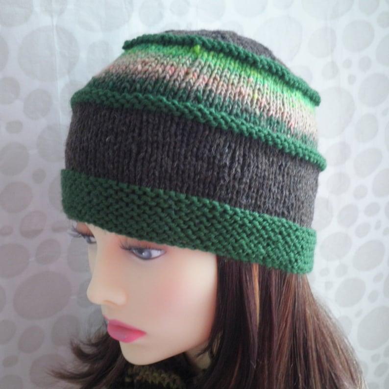 HAT KNITTING PATTERN Womens Tweed Wool Hat Knit Flat ...