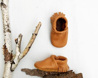 BASICS// Camel Tan Fringe Soft Soled Leather Moccasins Shoes Baby and Toddler // Starry Knight Design