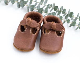 BOW. Coffee T-STRAPS  Soft Soled Leather Shoes Baby and Toddler // Starry Knight Design