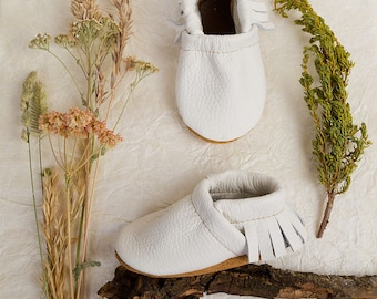BASICS//White Fringe Soft Soled Leather Moccasins Shoes Baby and Toddler //Free Shipping in USA// Starry Knight Design