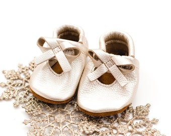 Platinum BALLET BOW FLATS Soft Soled Leather Shoes Baby and Toddler// Starry Knight Design