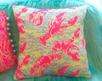New Pillow made with Lilly Pulitzer Lobstah Roll pop up print fabric, 3 sizes available