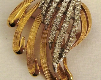 Vintage PIN BROOCH Rhinestones LEAVES  Goldtone