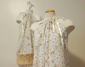 Mommy And Me Dress. Mommy -N - Me Dress. Matching Dress Top. Vintage lace. Mother Daughter Matching. Matching Clothing. Mother and Daughter.