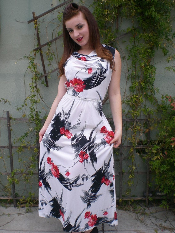 Vintage 60's 70's Black White and Red Maxi Day Dre