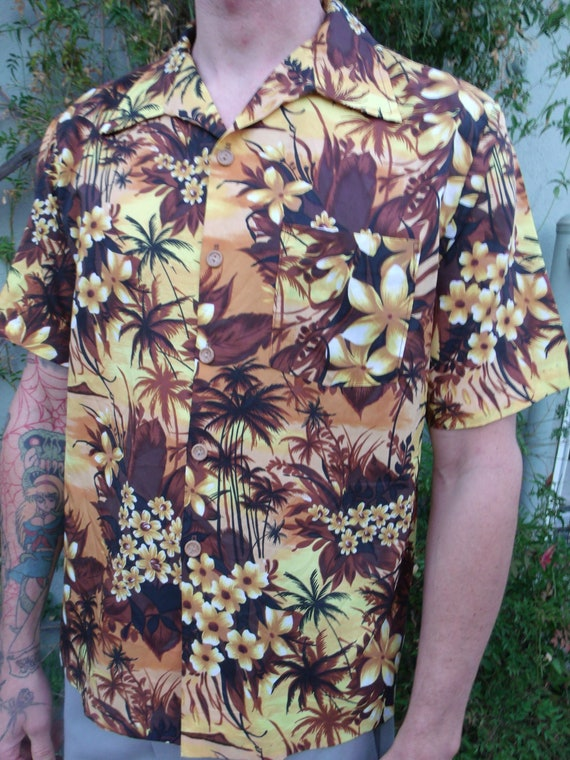 Vintage 50's Hawaiian Tiki Surfer Shirt. Men's 50'