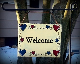 Hand Painted Decorative Welcome Slate Sign with Heart Border/Heart Border Welcome Slate Sign/Decorative Slate Sign With Hearts Border