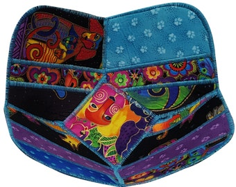 Reversible Fabric Bowl in Laurel Burch Dog Prints