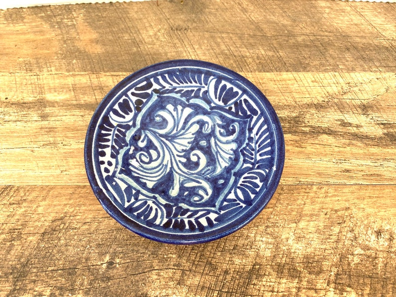 Vintage pottery dish plate handpainted  Vintage Blue and white small decorative dish