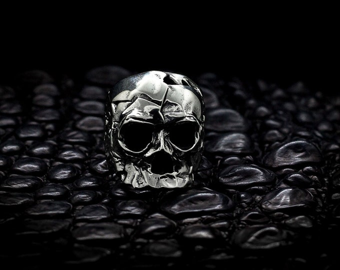 Featured listing image: Dark Souls Skull Solid Silver Ring