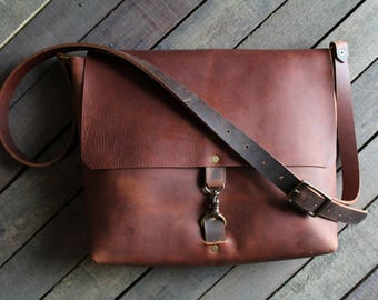 bdc946a41a Leather messenger bag