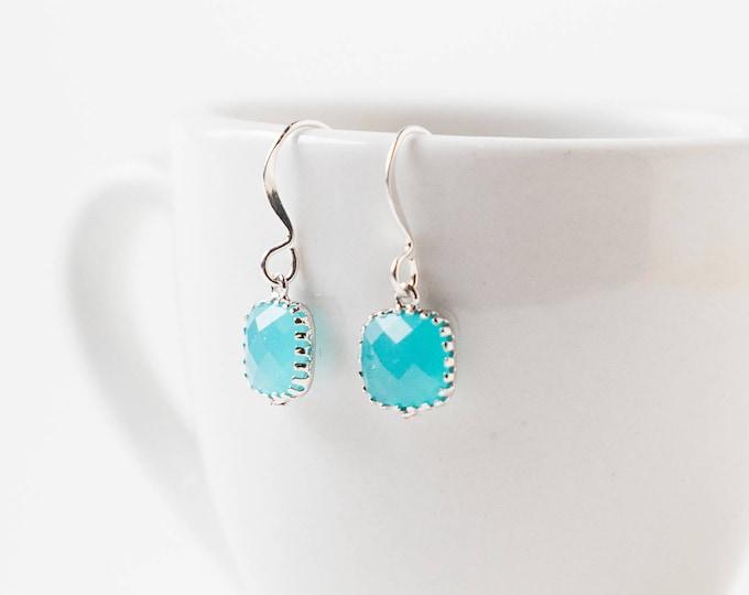 Ocean blue Teardrop earrings in silver