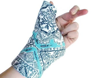 Microwave Heat Pack Cold Wrap for Thumb Wrist, Texting Gaming Typing, Comfort Wrap, Personal Accessories for Her, Tech Lover Geekery Gift
