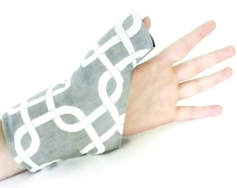 Adjustable Thumb Wrist and Hand Brace, Microwave Heat or Cold for Pain from Overuse Repetitive Motion