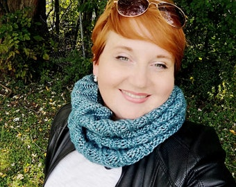 Winter cowl, knit cowl, knitted scarf, Infinity scarf, turquoise scarf, Knit snood, knit neck-warmer, handmade cowl, winter neck warmer