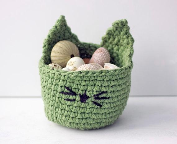 Crochet Your Own Cat Bed – Crochet | 462x570