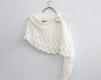 White Bride's Shawl with Flower Scarf Pin, Wedding Cape, Hand Crochet Wedding Shawl, Bridal Shawl