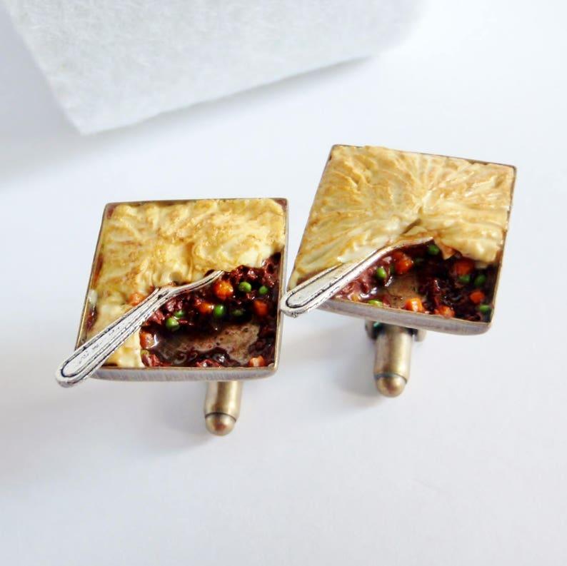 Shepherd/'s Pie Cufflinks Schickie Mickie Original 100/% handmade Miniature Food Art Jewelry Pub Food Cufflinks